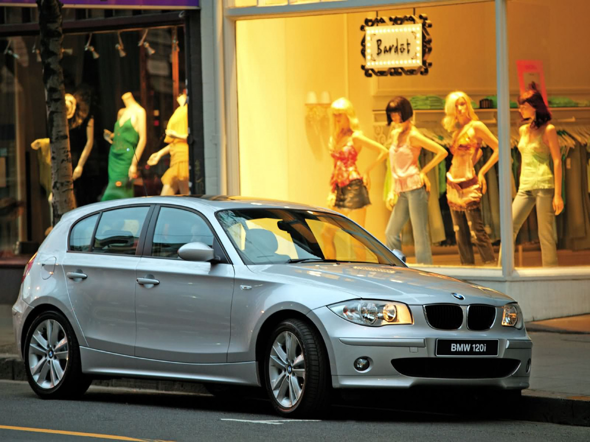 BMW 1-series 5-door фото 14972
