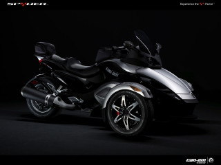 BRP Can-Am Spyder фото