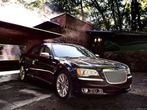 Chrysler 300 Luxury Series фото