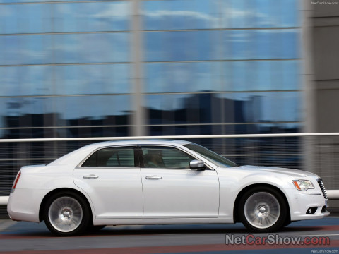 Chrysler 300C фото