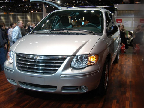 Chrysler Town and Country фото