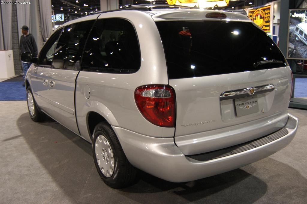 Chrysler Town and Country фото 20766