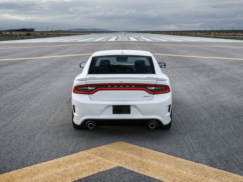 Dodge Charger SRT Hellcat фото