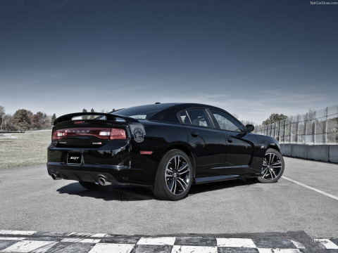 Dodge Charger SRT8 фото