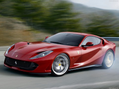 Ferrari 812 Superfast фото