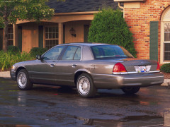 Ford Crown Victoria фото