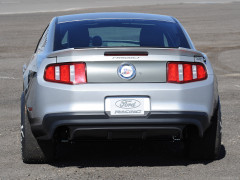 Ford Mustang Cobra Jet фото