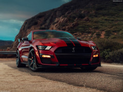 Ford Mustang Shelby GT500 фото