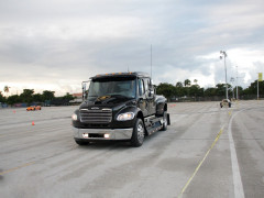 Freightliner Business Class фото