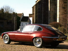 Jaguar E-Type V12 фото