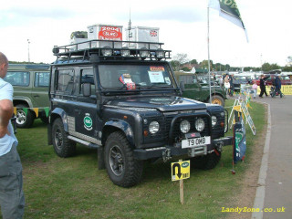 Land Rover Defender фото