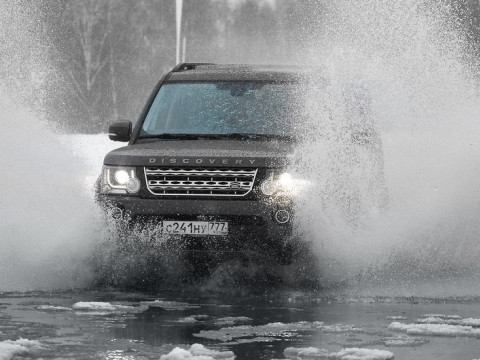Land Rover Discovery IV фото
