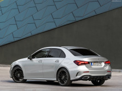 Mercedes-Benz A-Class Sedan фото