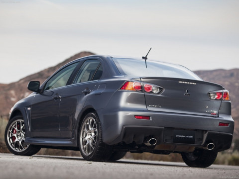 Mitsubishi Lancer Evolution MR фото
