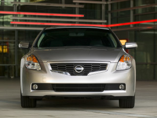 Nissan Altima Coupe фото