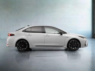 Toyota Corolla GR Sport появится в России в 2021 году