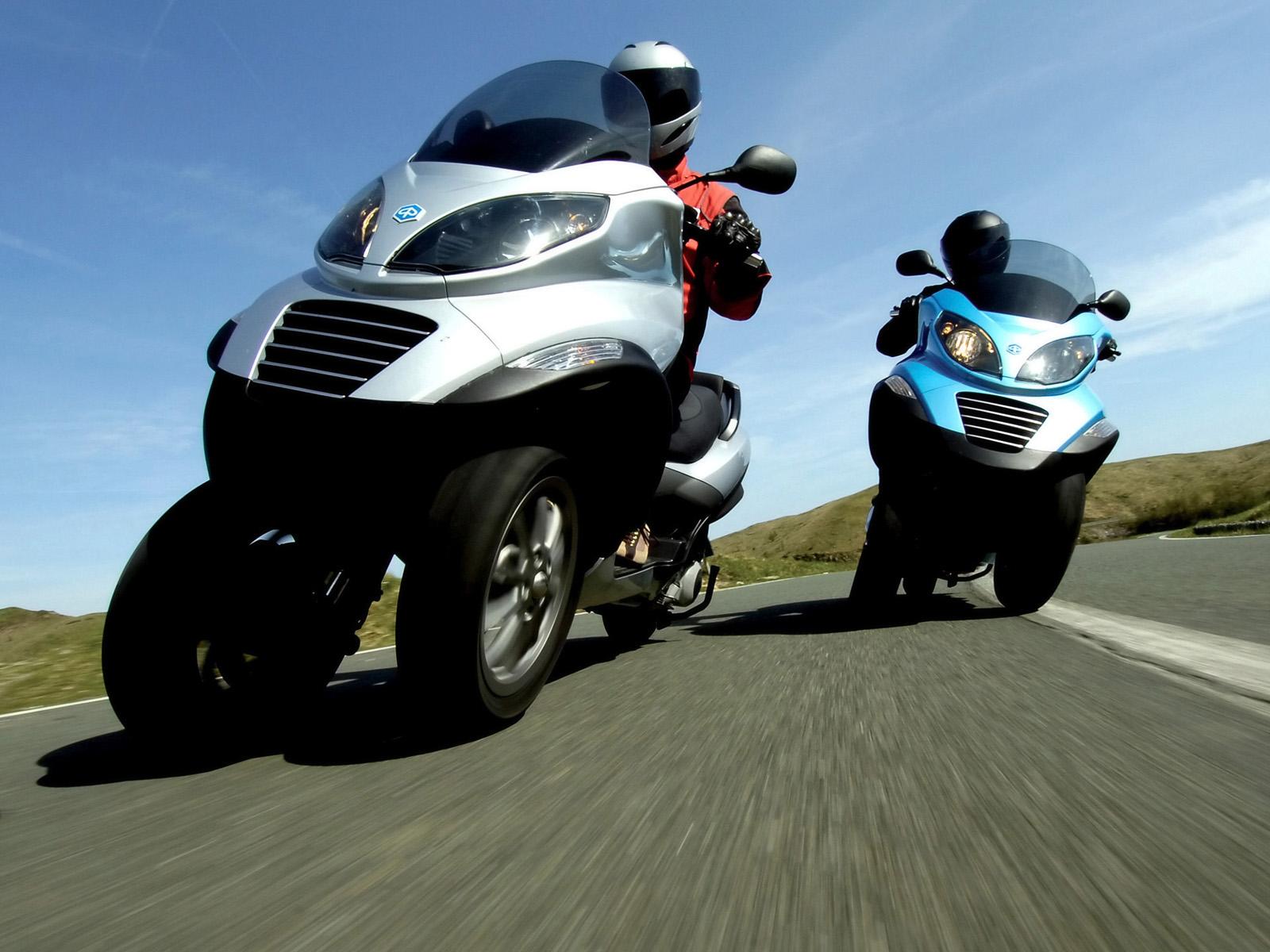 питомцем мотоцикл с двумя колесами спереди фото абсолютно