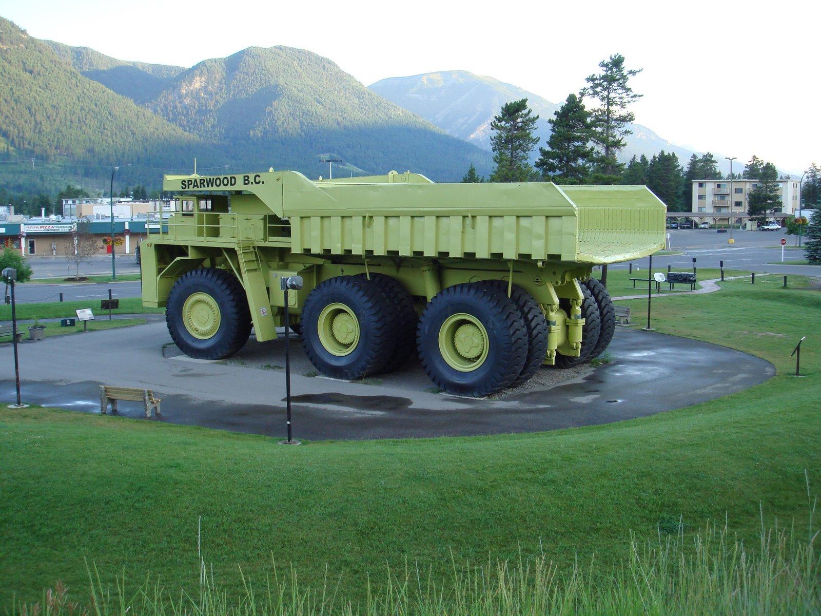 Фото больших машин с описанием помощью очень