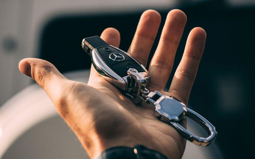 Компания Mercedes-Benz начинает отзывную кампанию