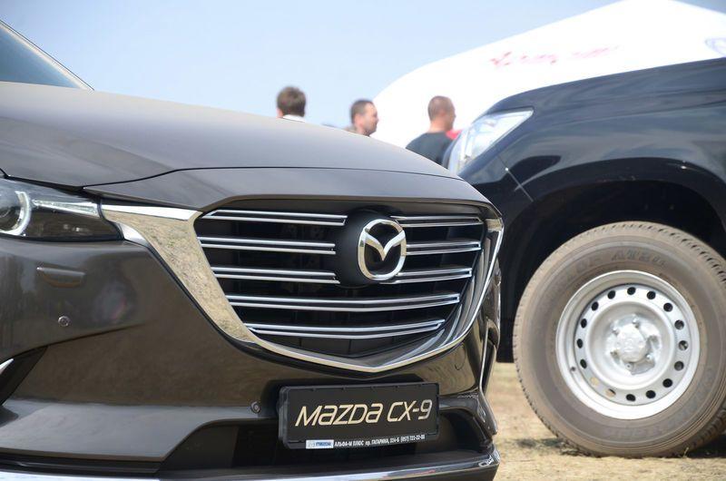 Компания Mazda отзывает на сервис автомобили