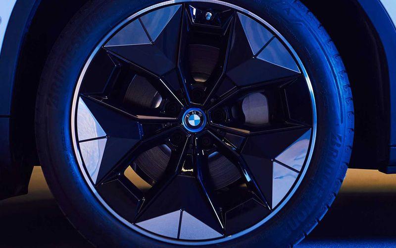 BMW представит новые диски с улучшенной аэродинамикой