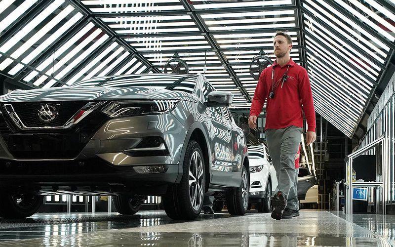 Компания Nissan столкнулась с дефицитом комплектующих для автомобилей