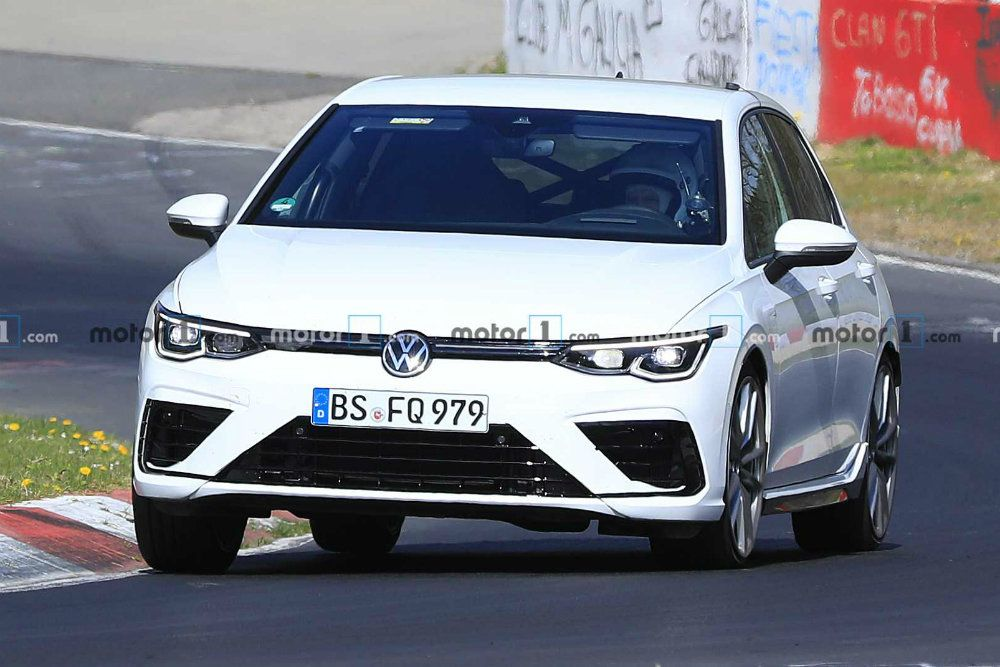 Фото Volkswagen Golf R от motor1.com