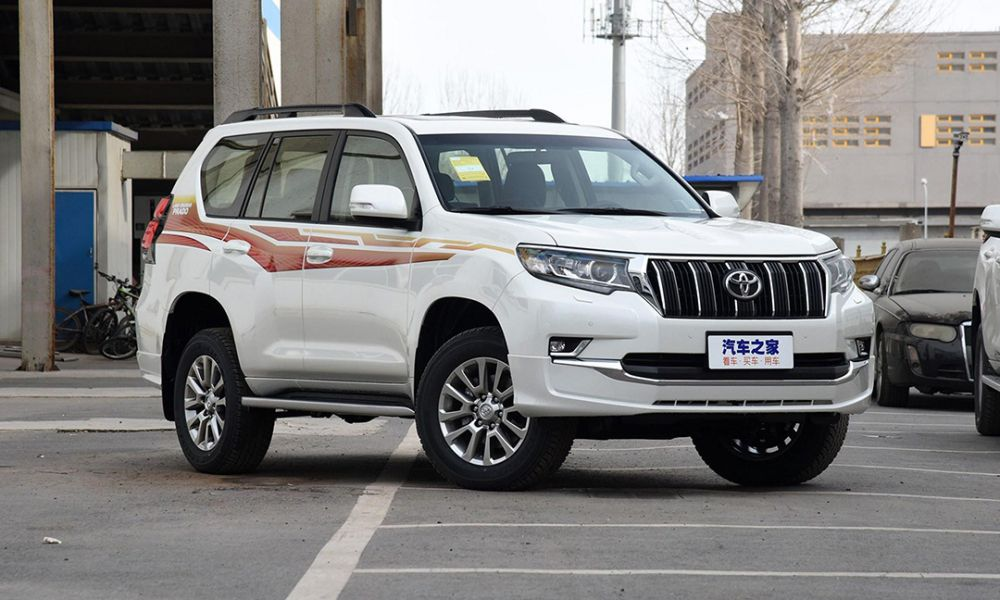 Фото нового Toyota Land Cruiser Prado
