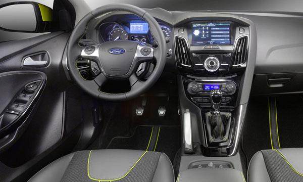 салогн Ford Focus III